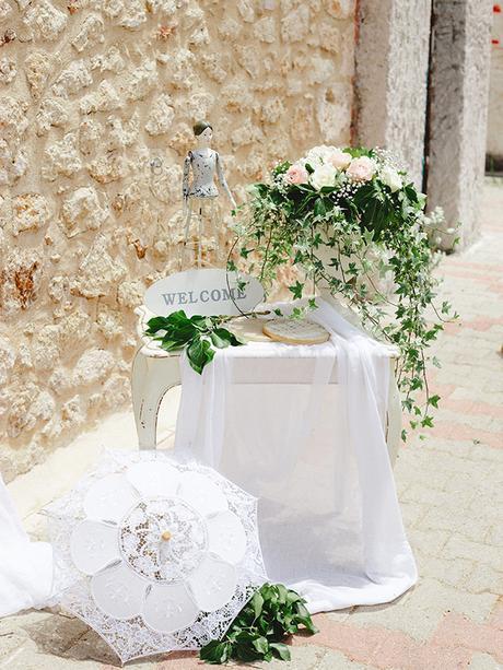 rustic-wedding-white-soft-pink-hues_13