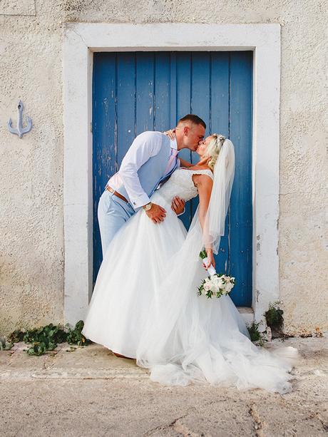 rustic-wedding-white-soft-pink-hues_04