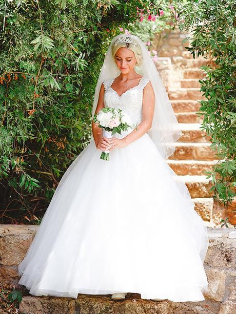 rustic-wedding-white-soft-pink-hues_10