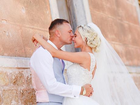 rustic-wedding-white-soft-pink-hues_01