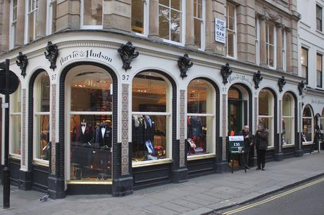 Christmas Shopping on the Village In Piccadilly Tour