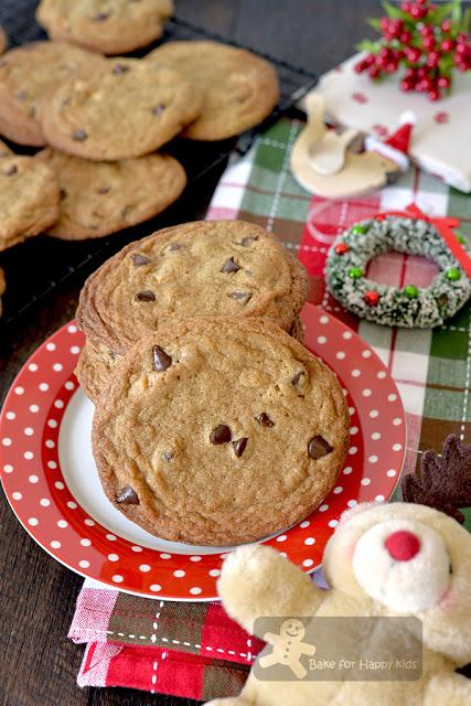 giant super large chocolate chip cookies