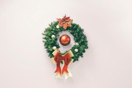 holiday bathroom decorating ideas green bathroom wreath