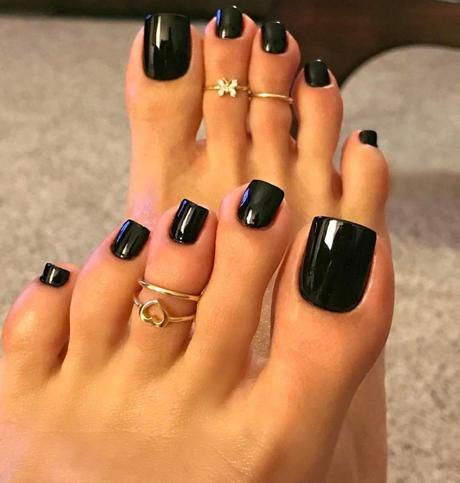 acrylic toe nails