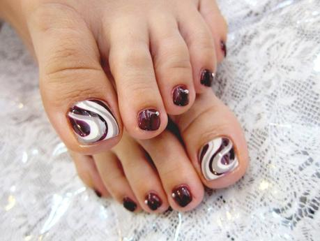 marble toe nail art