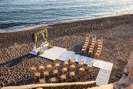 dreamy-wedding-santorini-peach-white-colors_10