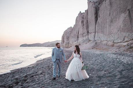 dreamy-wedding-santorini-peach-white-colors_32