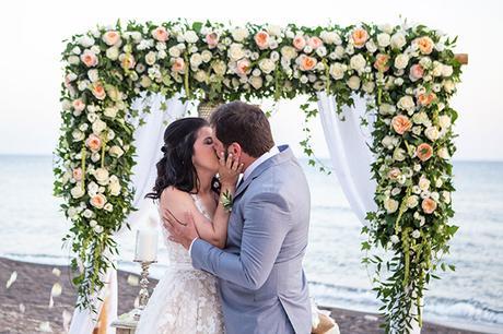 dreamy-wedding-santorini-peach-white-colors_19