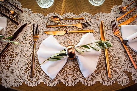 dreamy-wedding-santorini-peach-white-colors_26