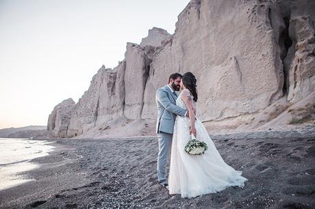 dreamy-wedding-santorini-peach-white-colors_31