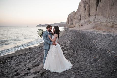 dreamy-wedding-santorini-peach-white-colors_03