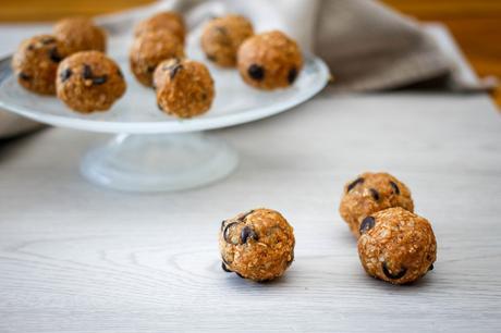 No Bake Chocolate Chip Cookie Bites