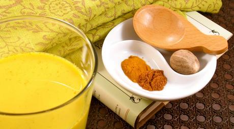 How to Manage Seasonal Allergies with Diet and Home Remedies