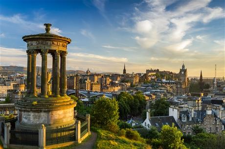 A Quick Travel Guide To Edinburgh, Scotland!