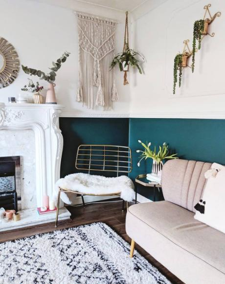 Blush and teal boho inspired living room. Image by @thetetburyhouse