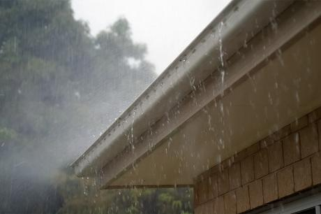 How To Safely Clean Your Own Gutters
