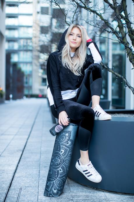 Fitness On Toast Faya Blog Girl Healthy Workout Fashion DKNY Sport London England West End Photoshoot OOTD Luxe Sport Lux Look-6