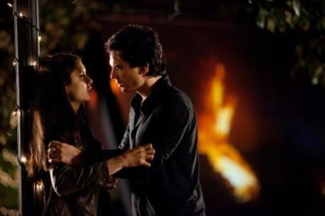 "Review #2517: The Vampire Diaries 2.22: ""As I Lay Dying"""
