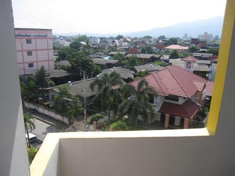 [Image: settling-down-in-chiang-mai-thailand-L-frCrL_.jpeg]