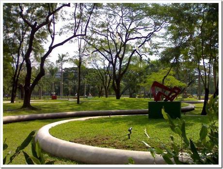 Ayala-Triange-Gardens