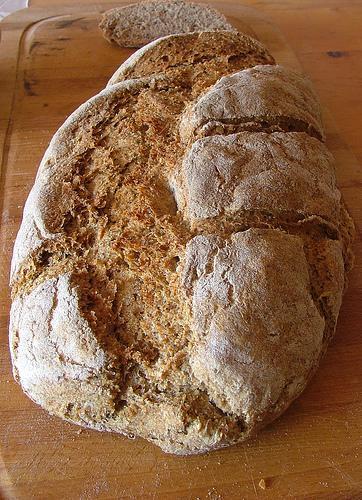 whole wheat bread - fullkorns bröd - pane integrale