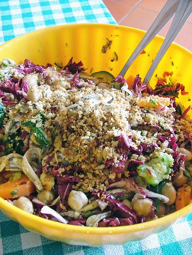 alici (anchovies) in salad with chickpeas