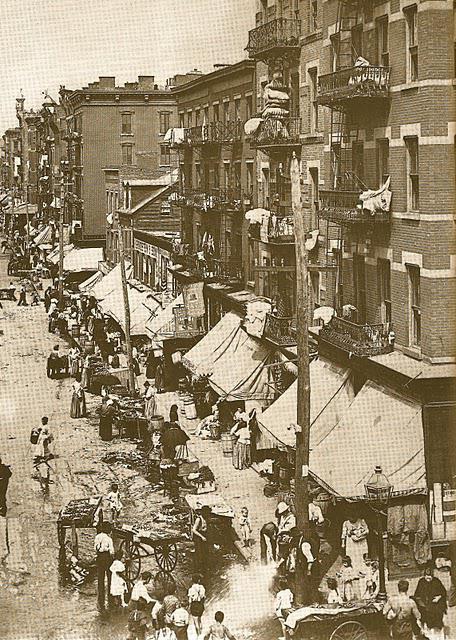 FAMILY Jewish immigrants.   New York City, 1890.