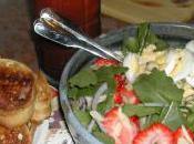 Munchie Mondays Spinach Strawberry Salad