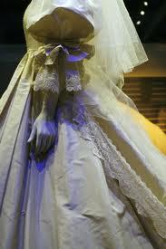 Princess Diana wedding dress sleeve detail