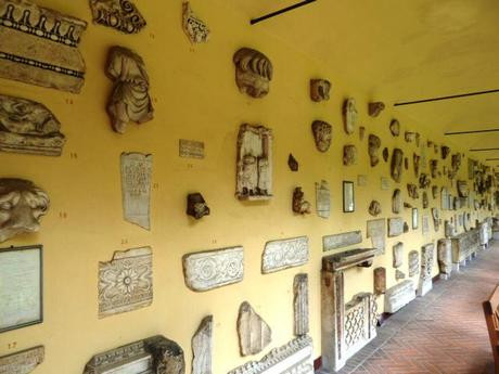 lapidarium_wall of monuments