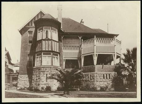 historic houses trust - Caroline Simpson Library
