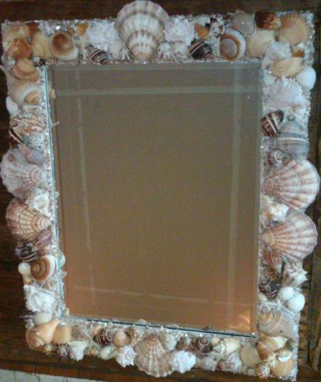 New seashell creations web site offers seashell mirrors for Home decor offers