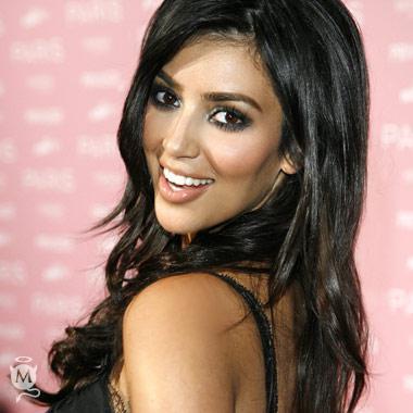 Kim, fiance to sign prenup