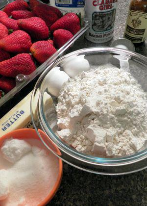 Strawberry Crumb Cake- Ingredients