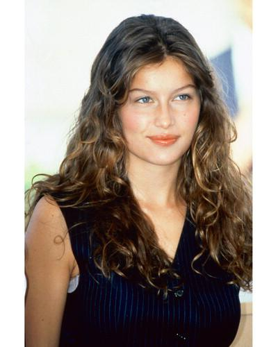 Why do French Women Have Such Fabulous Hair?