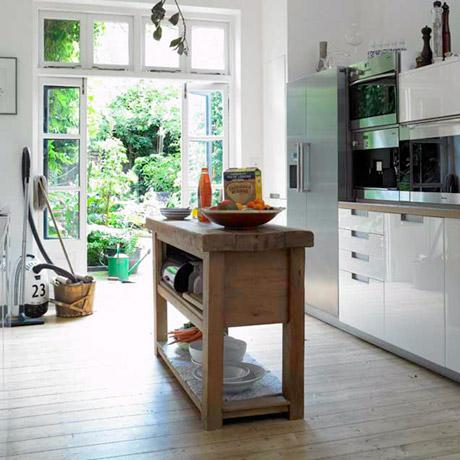 Super cute and charming kitchens...