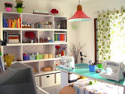 Family Room Shelving ♥