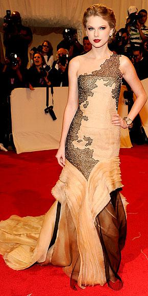 Stars at the MET Costume Gala 2011...