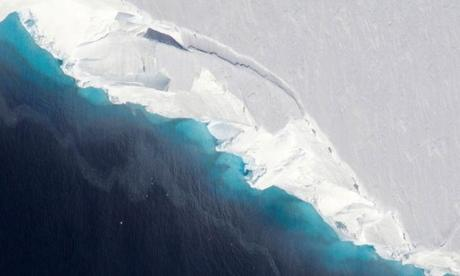 Thwaites glacier in the Antarctic