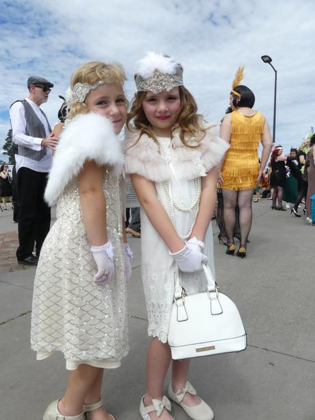 Toe-tapping retro fashion fun in the Blue Mountains