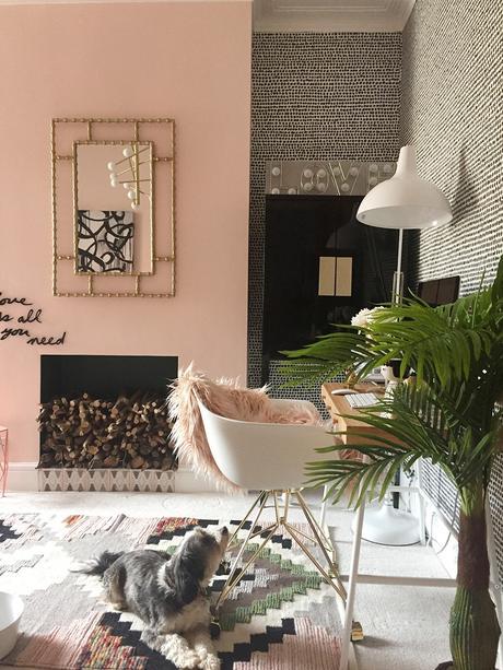 Pink and black living room inspiration.