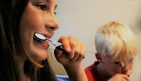 Image: Brushing Teeth, CC0 Public Domain on MaxPizel