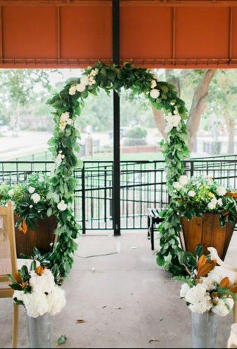 park wedding wedding ceremony decorations velvetandtwine