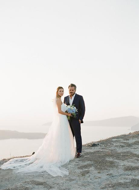 dreamy-blue-white-wedding-santorini_25