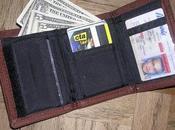 Reasons Choose Slim Wallet Your Travels