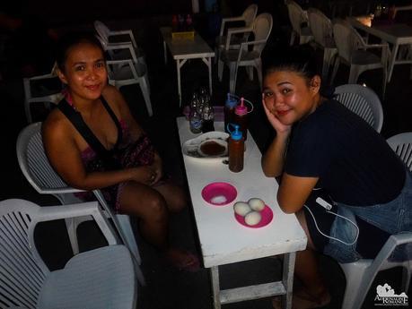 Eating balut