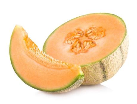 Can Dogs Eat Cantaloupe? You Can Make a Tasty Meal With It!