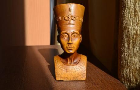 Buying & Selling Ancient Egyptian Jewelry at Raymond Lee Jewelers
