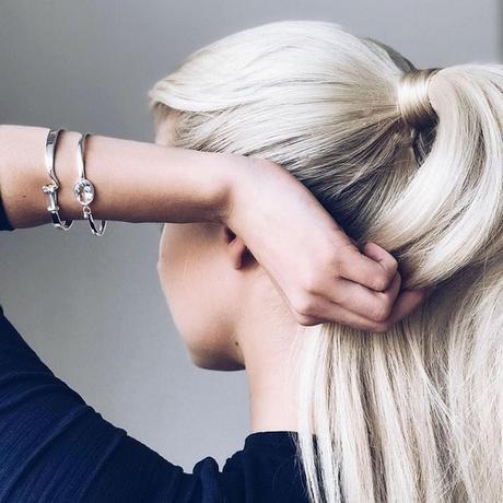 White Gold Diamond Earring