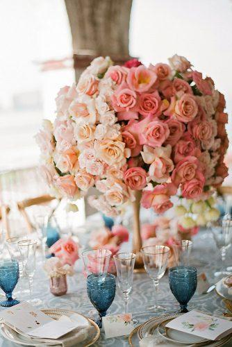 summer wedding trends peachy and coral roses elegant centerpiece stephanie kaslly photography